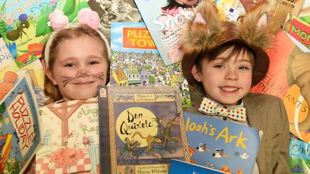 Elizabeth and Braeyln in the library. Castle Hill school celebrate world book day Picture: CHARLOTT