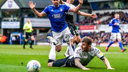 Alan Judge protests his innocence but was adjudged to have fouled Kyle McFadzean in this challenge.