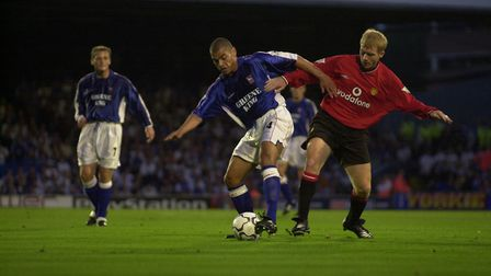 Jermaine Wright and Paul Scholes.