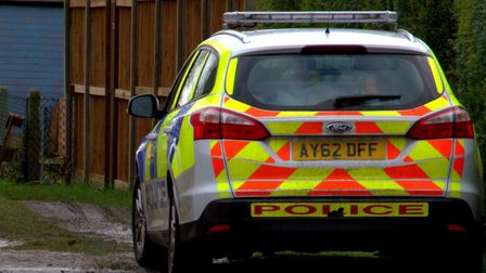 Suffolk police is appealing for information after a knife-wielding man attempted to rob the Post Off