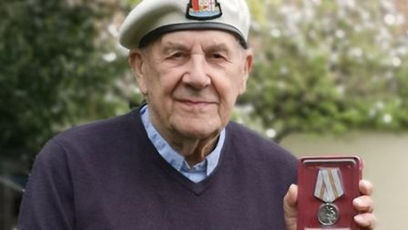 Suffolk war veteran Peter Gosling has been awarded a medal from the Russian government to thank him
