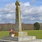 St Edmund's monument lies in a field to the east of Abbey Hill in Hoxne and marks the spot he was re
