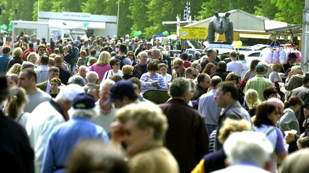 Crowds flock to the Ampton Racecourse for the South Suffolk Show in 2002 Picture: ANDY ABBOTT