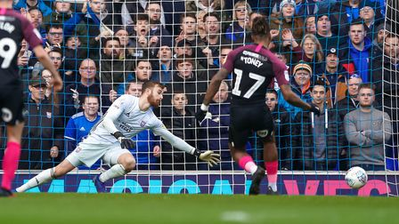 Ivan Toney scores against Ipswich Town for Peterborough United from the penalty spot. A study by Uni