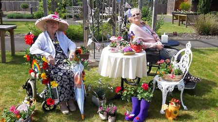 Coral and June, from Glastonbury Court in Bury St Edmunds, take part in Care UK's Suffolk Flower Sho