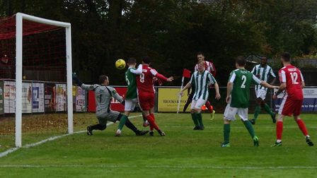 Felixstowe & Walton United pile on the pressure against Great Wakering Rovers. Picture: DAVE FRANCIS