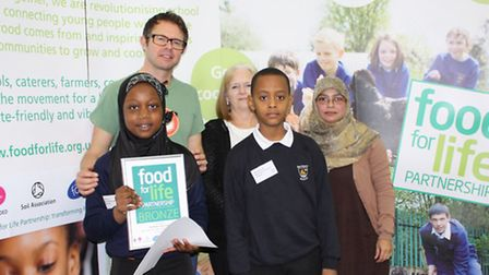 Northbury Junior School pupils receive Food for Life award from broadcaster Stefan Gates