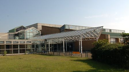 Goresbrook Leisure Centre-the site of a new super size free school