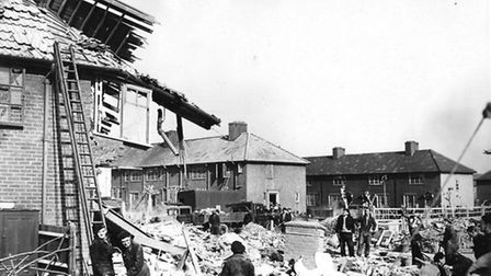 Bomb damage at Pear Tree (Pic: LBBD archives and local studies centre)