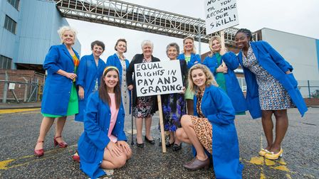 Original strikers Eileen Pullen and Gwen Davies with the Made in Dagenham cast Picture: Queen's Thea
