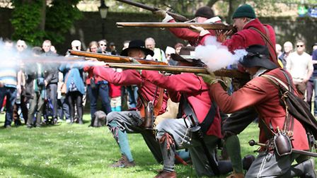 Parliamentarian Roundheads in new battle for Wapping