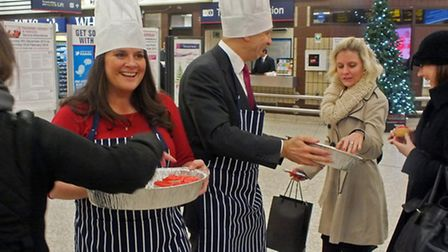 Celeb baker Jo Wheatley hands out cakes at Fenchurch Street