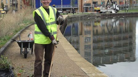 Giving the Lea riverbank a spruce-up