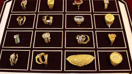 Jewellery similar to that taken in the raid (Pic: Met Police)