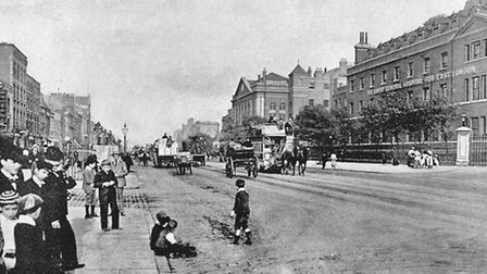 The old London Hopspital, 189os (other side of Whitechapel Road looking east)