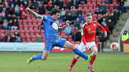 O's Darius Henderson scores the equaliser against Crewe at Gresty Road (pic: Simon O'Connor/TGSPHOTO