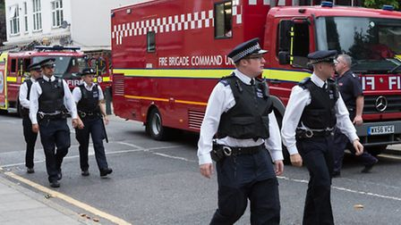 Emergency services cordon off Bethnal Green neighbourhood ready for Army to tackle UXB [photo: Vicki