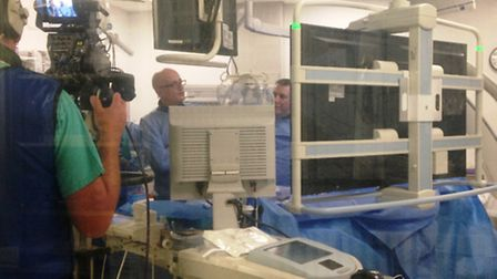 Cardiologist Elliot Smith leads NHS team in cardiac live broadcast to Florida