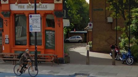 The alley next to Bow Bells pub where police officer was stabbed [Google image]