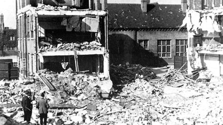 1940: Saunders Ness School hit by German landmine, killing Auxilliary Fire & Abulance brigade person