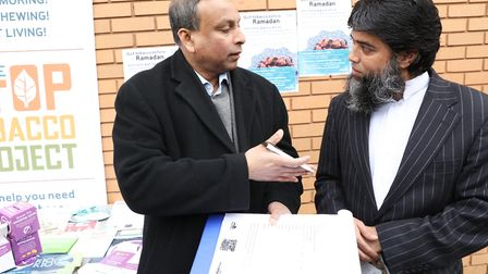 Signing up to Tower Hamlets council's latest campaign to stop smoking. Picture: KOIS MIAH