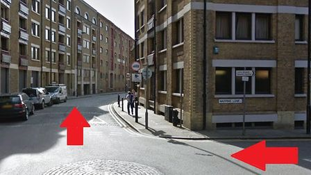 'Big Half' route down Wapping Lane (on the right) turns right, heading west along Wapping High Stree