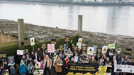 Clean air campaign to stop Enderby Wharf polluting the Thames with cruise-liner diesel engines runni