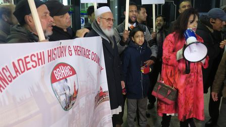 Demo at Tower Hamlets Council to stop budget cuts to ethnic language service. Picture: Mike Brooke