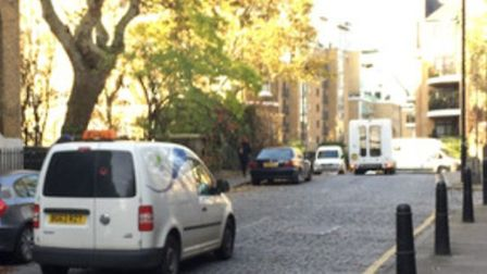 Approaching the spot in Wapping High Street just east of the Town of Ramsgate pub where drivers com