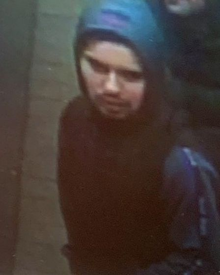 If you recognise this man, contact British Transport Police by texting 61016 or calling 0800 405 040