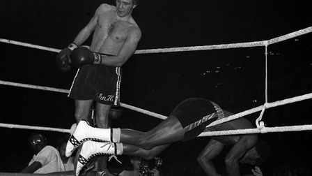 John H Stracey sends Amercian Hedgemon Lewis through the ropes in their world welterweight title cla