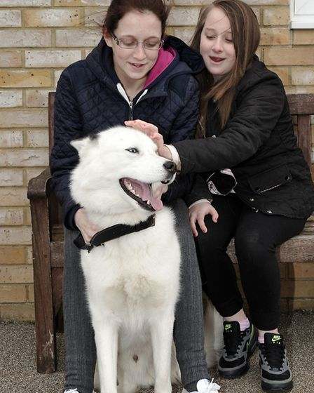 RSPCA, Block Fen Animal Centre, Easter rabbit hunt, bonnet competition and fun day. Shannon and Kell