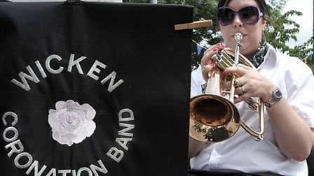 Wicken fete & dog show. Lisa Moore with the Wicken Band.