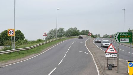 The llarge 40mph speed sign near the Peashill roundabout.
