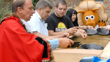 A gold panning activity is launched at Fossils Galore in March