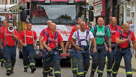 Fire engine pull raises £700 for charity