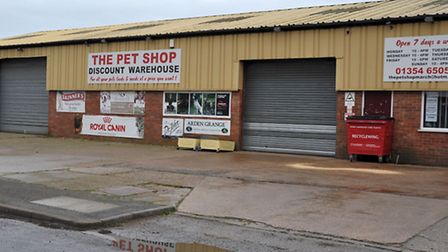 The Pet Shop discount warehouse.commercial rd March.