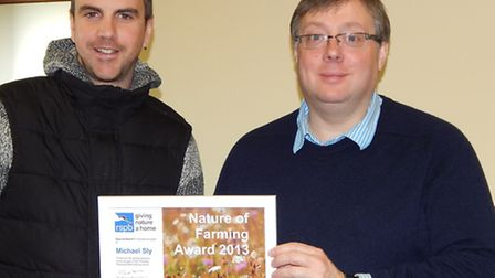 Cambs farmland wildlife project flourishes with CLA member's help.Left: Simon Tonkin and Michael Sly