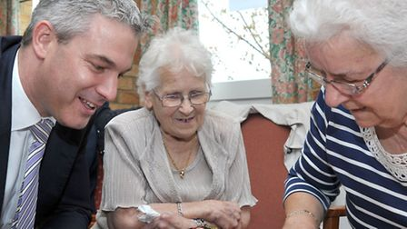 MP Steve Barclay presented certificates to older people who have completed IT course at Bradshaw Cou