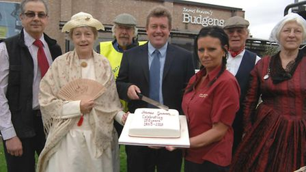 Gravens 150th Anniversary, at Budgens, Soham.(l-r) manager Ken Lobley, Diana Hillma, Soahm and Stapl