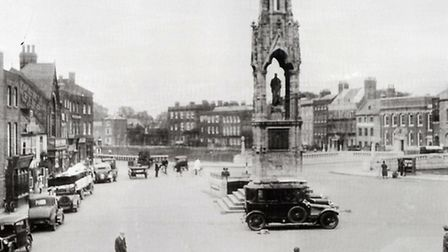 Old black and white pictures of Early Wisbech.Bridge Street