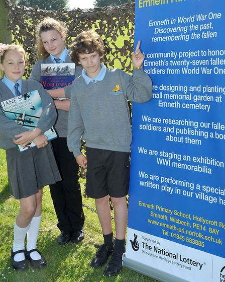 Emneth Primary School receives £9,600 from Heritage Lottery Fund for First World War events. Left: P