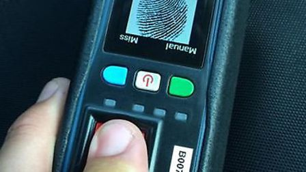 Mobile fingerprinting technology for Cambs Police