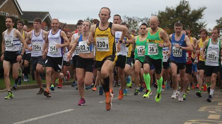 The runners at the CGM Fen 10.