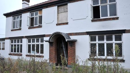 Arson at former Three Holes pub. Wisbech. Picture: Steve Williams.