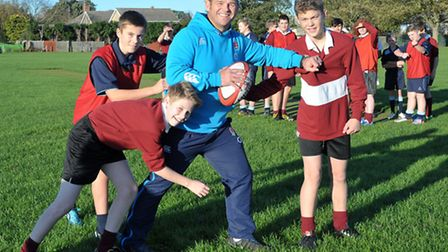Ex-England player Lee Mears leading rugby workshops at Cromwell Community College, Chatteris. Pictur
