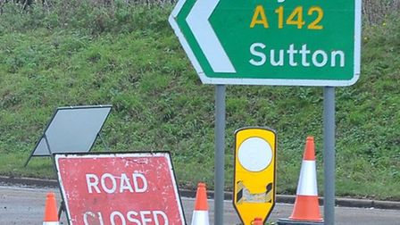 Motorcyclist dies on the A142