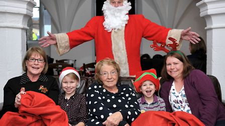 Breakfast with Santa at Almonry Restaurant & Tea Rooms.High St, Ely. Four generations with santa, Le