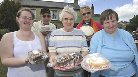 St Andrews Church Fete, Witchford, cake makers (l-r) Rebecca Richer, Kenneth Darnell, Shirley Caver,