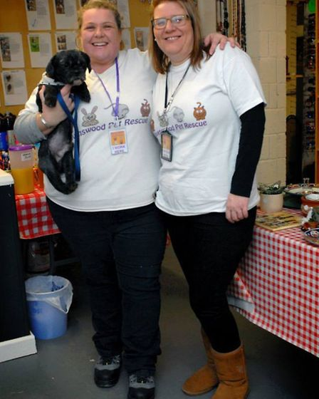 Caroline Trigg with Shelley Ridgeon of Ravenswood Pet Rescue with rescued dog Pepper